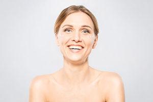 Jak rozświetlić i odmłodzić skórę?